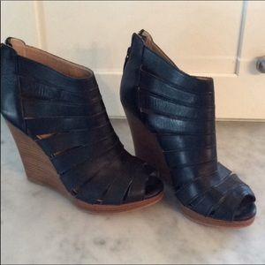 Splendid Black Leather Wedge Open Toe Back Zippers